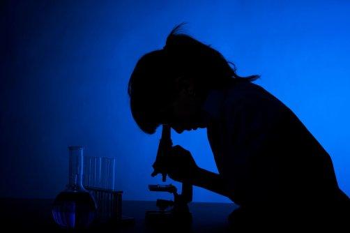 woman-scientist_custom-1c87d40e205dc235469aed310393c4c92aed7bcb-s900-c85